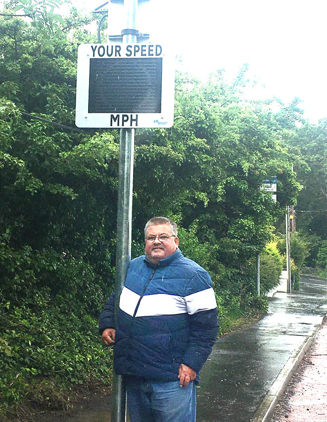 Cllr Walker calls for road safety improvements on the Killyleagh Downpatrick Road.